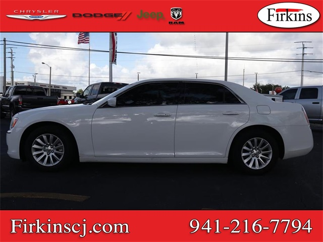 Pre-Owned 2014 Chrysler 300 Base