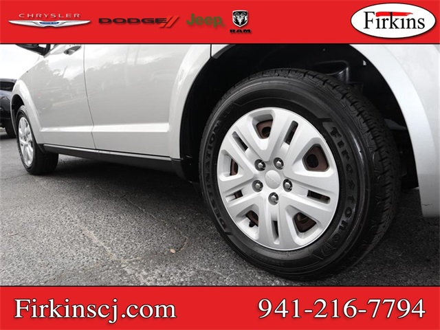 Pre-Owned 2013 Dodge Journey SE